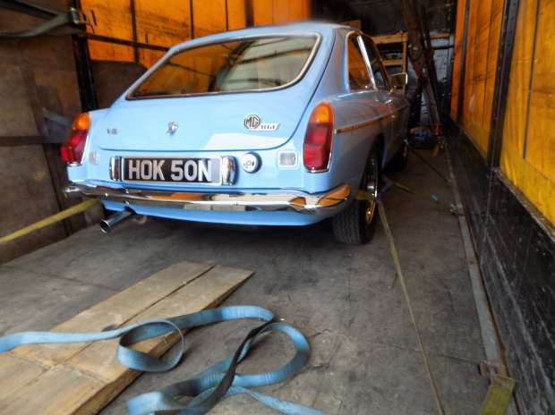 MG B GT V8
