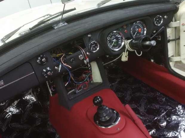 MG B roadster 08